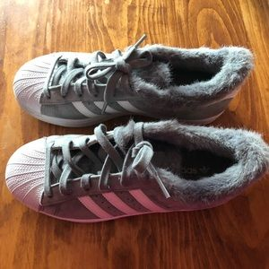 Grey Adidas Superstar Size 6 Women's.